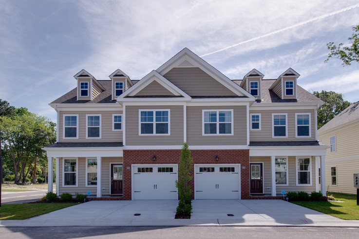 The carriage homes lawson hall virginia beach for Carriage homes